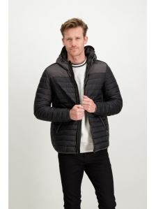 Чорна стьобана куртка з капюшоном GJ810901/60, GJ810901/60, 4,099 грн, Men`s outdoor jacket, Garcia, Чоловікам